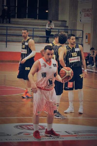 https://www.basketmarche.it/immagini_articoli/06-08-2019/basket-assisi-scatenato-basket-gualdo-arriva-play-filippo-marini-600.jpg