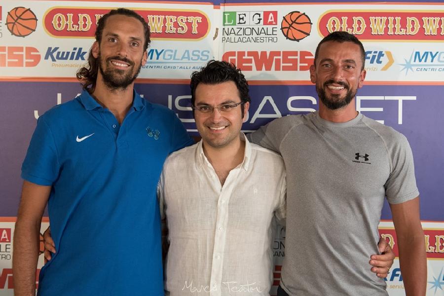 https://www.basketmarche.it/immagini_articoli/06-08-2019/janus-fabriano-annuncia-staff-tecnico-medico-prossima-stagione-600.jpg