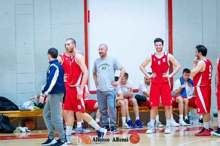 https://www.basketmarche.it/immagini_articoli/06-08-2021/ufficiale-ponte-morrovalle-coach-matteo-cececotto-insieme-anche-prossima-stagione-600.jpg
