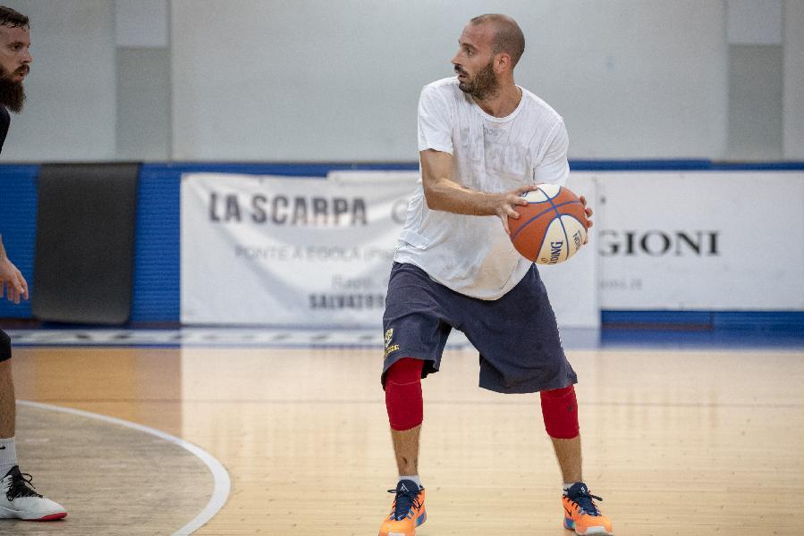 https://www.basketmarche.it/immagini_articoli/06-09-2019/poderosa-montegranaro-tesserato-lorenzo-andreani-supercoppa-600.jpg