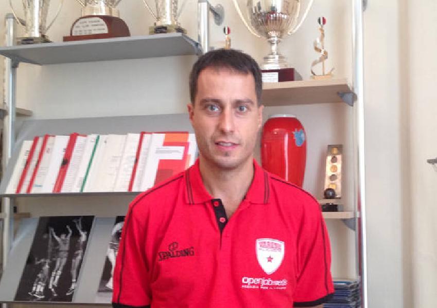 https://www.basketmarche.it/immagini_articoli/06-09-2020/pallacanestro-varese-maurizio-buscaglia-massimo-bulleri-candidati-panchina-600.jpg