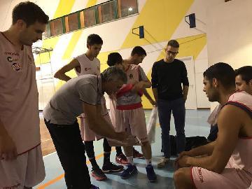 https://www.basketmarche.it/immagini_articoli/06-10-2017/promozione-prestazione-opaca-per-la-vigor-matelica-nel-test-di-san-severino-270.jpg
