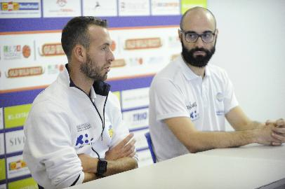 https://www.basketmarche.it/immagini_articoli/06-10-2017/serie-a2-preview-poderosa-montegranaro-roseto-sharks-parla-coach-ceccarelli-270.jpg