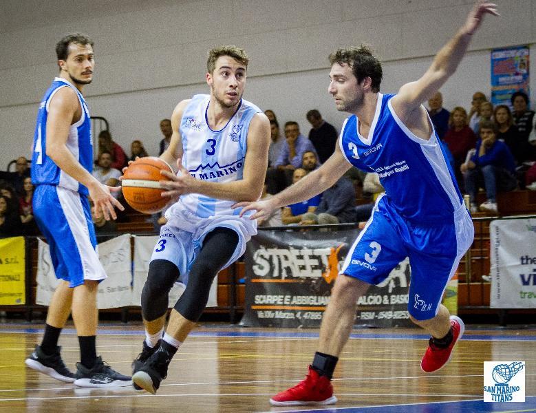 https://www.basketmarche.it/immagini_articoli/06-10-2018/convincente-vittoria-pallacanestro-titano-marino-aesis-jesi-600.jpg