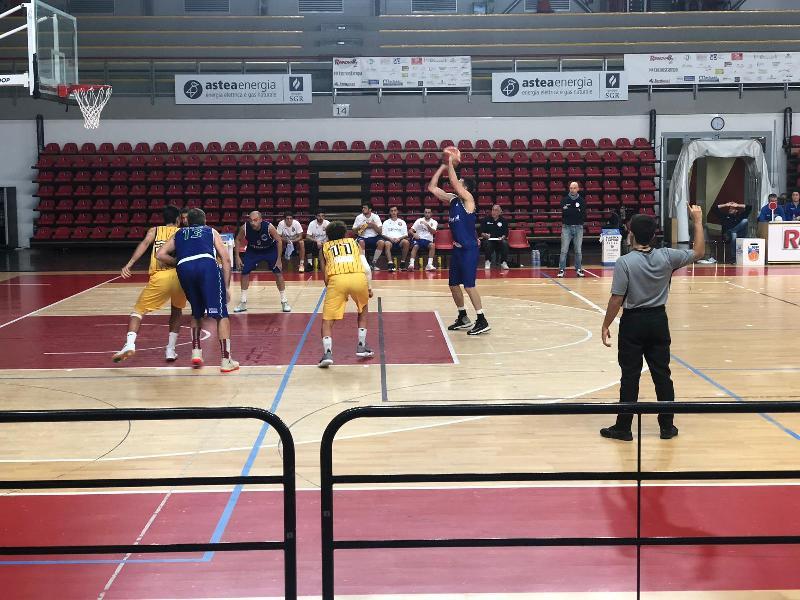 https://www.basketmarche.it/immagini_articoli/06-10-2019/bartoli-mechanics-espugna-campo-pallacanestro-recanati-600.jpg