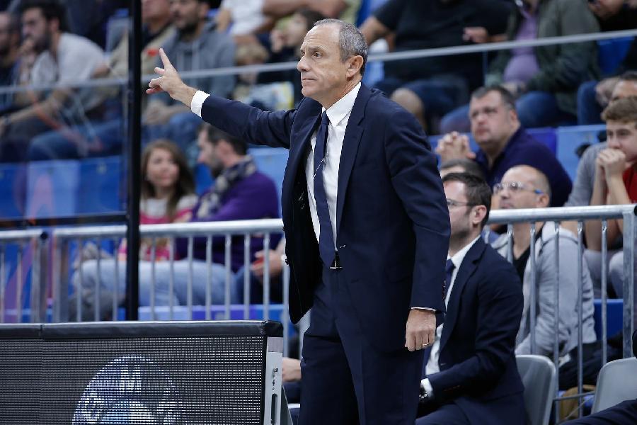 https://www.basketmarche.it/immagini_articoli/06-10-2019/olimpia-milano-coach-messina-atteggiamento-buono-lodare-risposta-burns-600.jpg
