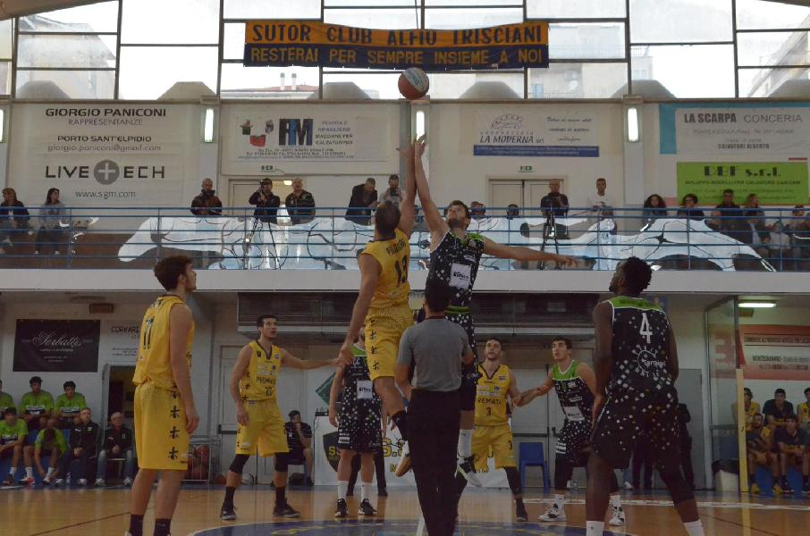 https://www.basketmarche.it/immagini_articoli/06-10-2019/tripla-villa-esplodere-bombonera-sutor-montegranaro-batte-faenza-dopo-overtime-600.jpg
