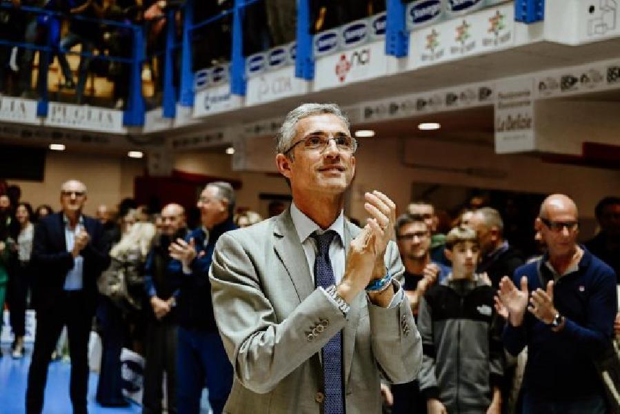 https://www.basketmarche.it/immagini_articoli/06-10-2021/basket-brindisi-fernando-marino-scuso-nome-brutta-figura-rimborseremo-tifosi-600.jpg