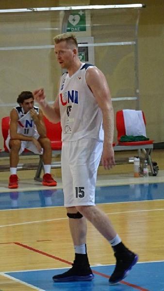 https://www.basketmarche.it/immagini_articoli/06-11-2018/francis-torreborre-miglior-marcatore-campionato-seguono-monacelli-cukinas-meschini-600.jpg