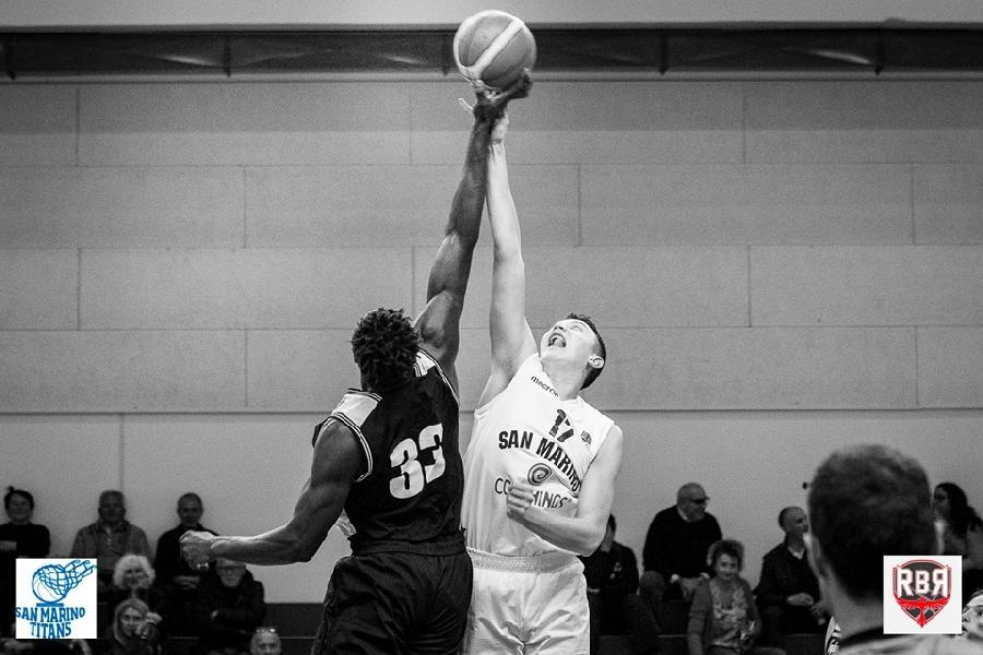 https://www.basketmarche.it/immagini_articoli/06-11-2018/under-eccellenza-vittoria-storica-pallacanestro-titano-virtus-bologna-600.jpg