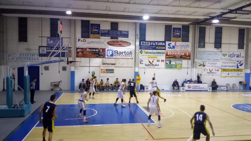 https://www.basketmarche.it/immagini_articoli/06-12-2019/metauro-basket-academy-ferma-corsa-basket-fanum-600.jpg