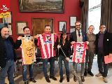 https://www.basketmarche.it/immagini_articoli/06-12-2019/pesaro-pesaro-italservice-calcio-campo-gennaio-befana-biancorossa-120.jpg