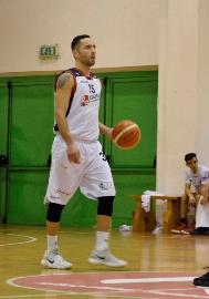 https://www.basketmarche.it/immagini_articoli/07-02-2018/serie-b-nazionale-la-virtus-civitanova-saluta-gennaro-tessitore-270.jpg