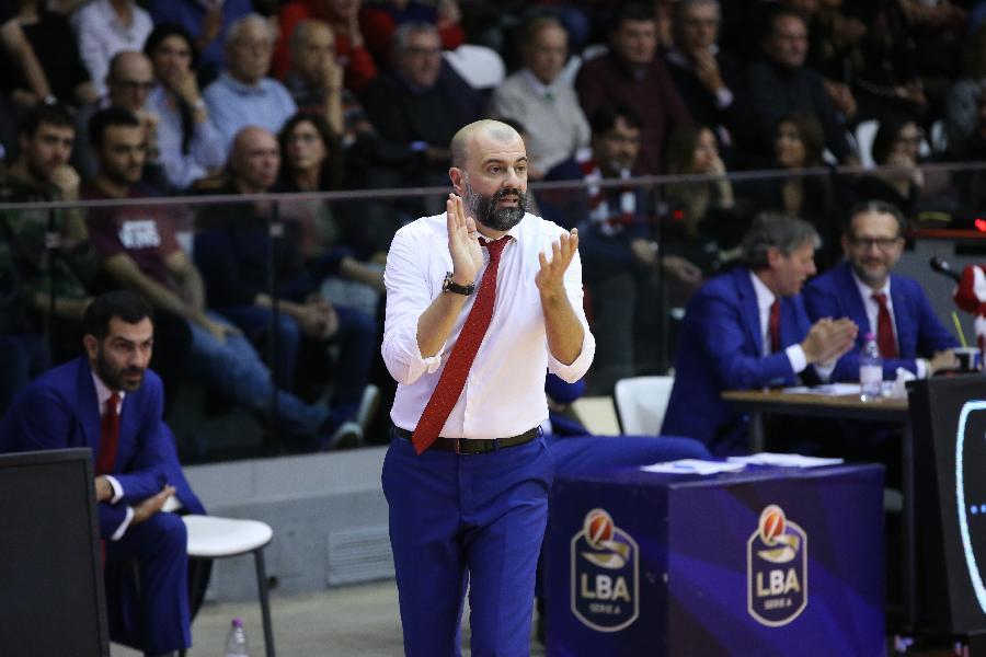 https://www.basketmarche.it/immagini_articoli/07-03-2020/pallacanestro-reggiana-coach-buscaglia-valore-virtus-noto-dobbiamo-riprendere-nostro-ritmo-600.jpg