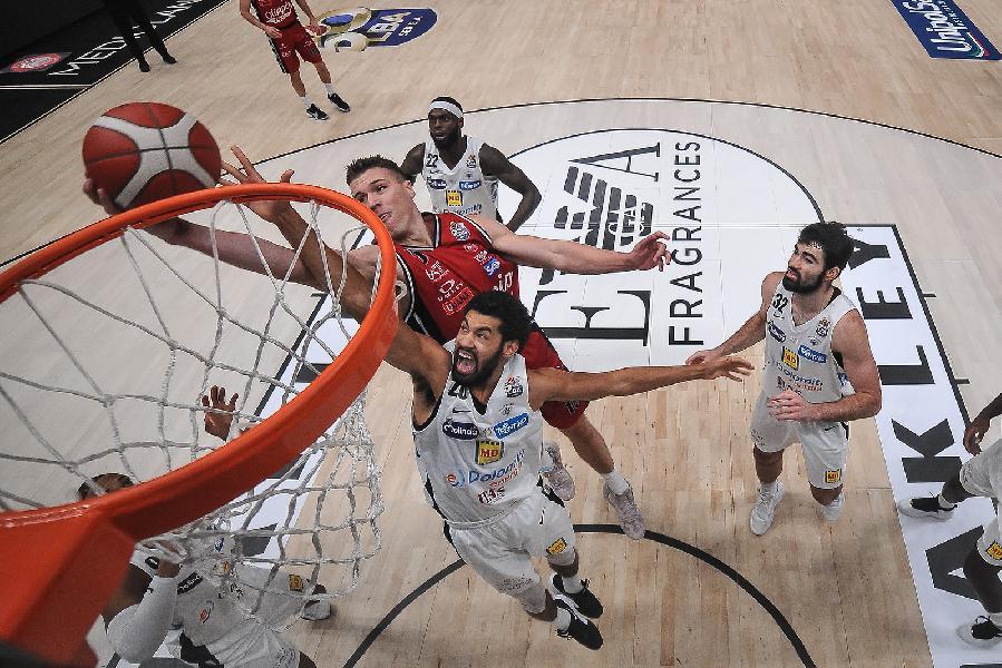 https://www.basketmarche.it/immagini_articoli/07-03-2021/olimpia-milano-trasferta-trento-coach-messina-dovremo-trovare-energia-dopo-settimana-durissima-600.jpg