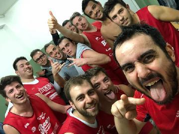 https://www.basketmarche.it/immagini_articoli/07-04-2018/prima-divisione-playoff-gara-1-i-rattors-pesaro-partono-con-il-piede-giusto-contro-l-orsal-ancona-270.jpg