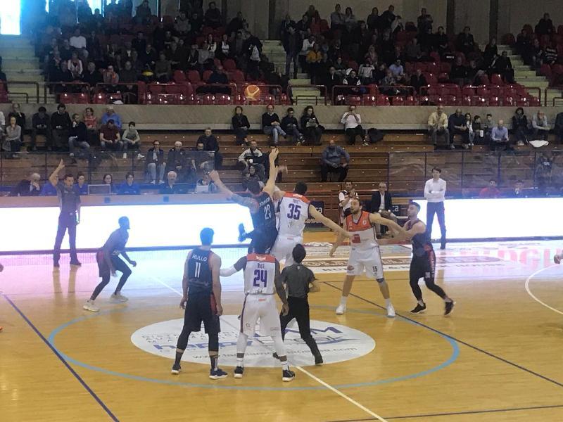https://www.basketmarche.it/immagini_articoli/07-04-2019/aurora-jesi-vince-convince-cagliari-allontana-spettro-ultimo-posto-600.jpg
