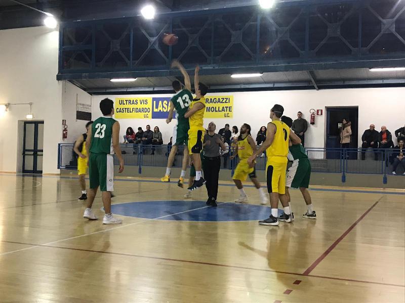 https://www.basketmarche.it/immagini_articoli/07-04-2019/magia-labate-fine-regala-vittoria-playoff-castelfidardo-600.jpg