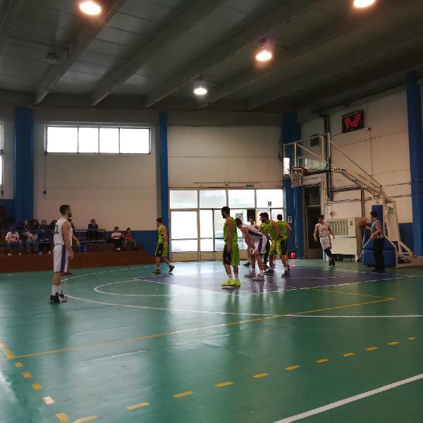 https://www.basketmarche.it/immagini_articoli/07-04-2019/pallacanestro-giromondo-spoleto-impone-interamna-terni-600.jpg
