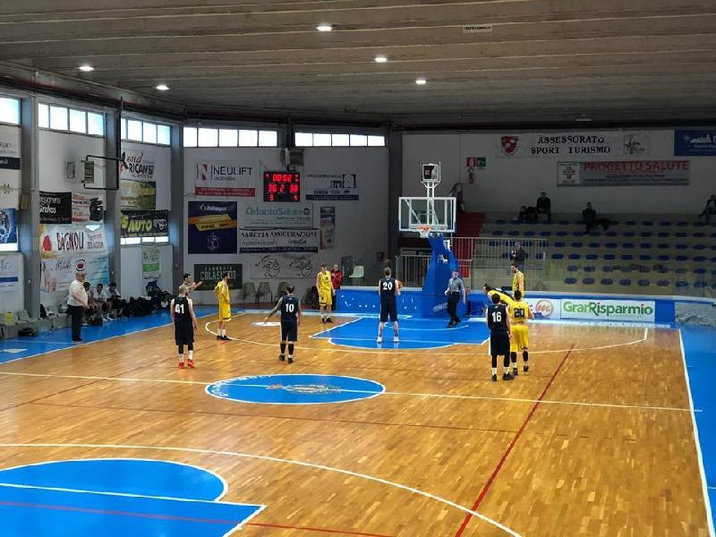 https://www.basketmarche.it/immagini_articoli/07-04-2019/playoff-pallacanestro-fermignano-arrende-finale-campo-airino-termoli-600.jpg