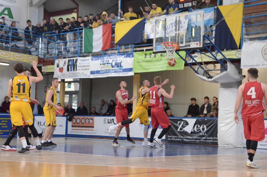 https://www.basketmarche.it/immagini_articoli/07-04-2019/serie-gold-live-risultati-ultima-giornata-regular-season-tempo-reale-600.jpg