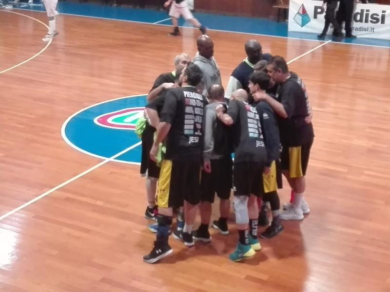 https://www.basketmarche.it/immagini_articoli/07-05-2019/prima-divisione-playoff-basket-jesi-supera-rattors-pesaro-600.jpg