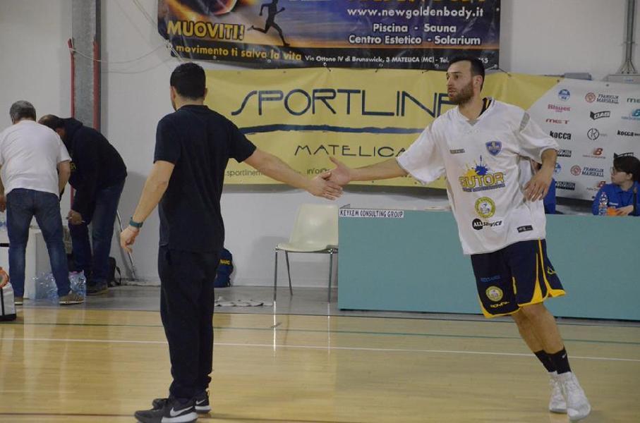 https://www.basketmarche.it/immagini_articoli/07-05-2019/sutor-montegranaro-riccardo-angilla-battaglia-nostro-pubblico-fondamentale-600.jpg