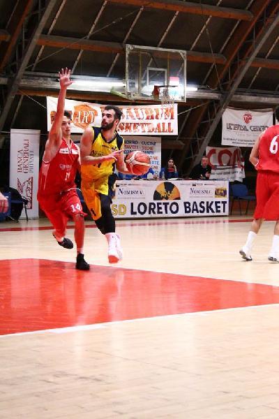 https://www.basketmarche.it/immagini_articoli/07-07-2020/ufficiale-separano-strade-loreto-pesaro-matteo-bongiorno-600.jpg