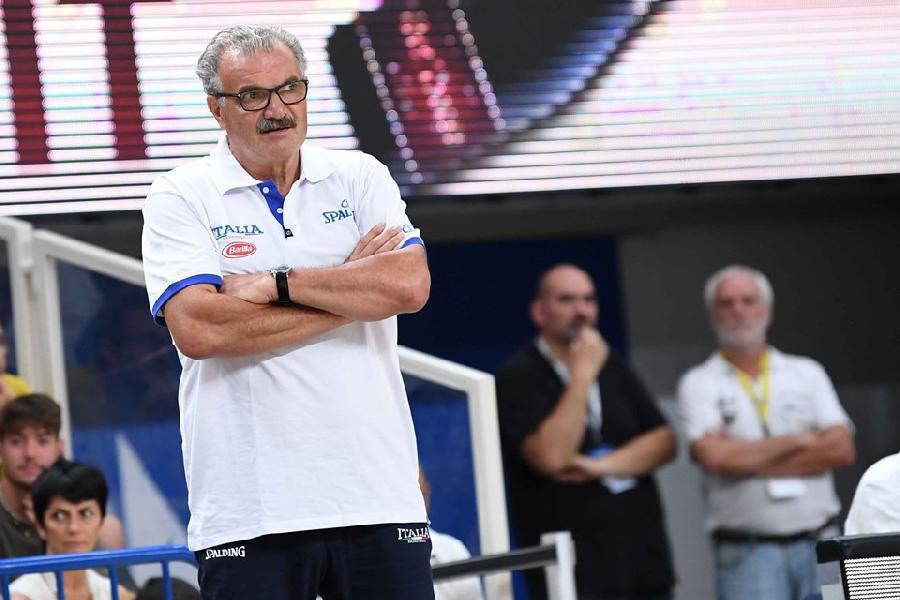 https://www.basketmarche.it/immagini_articoli/07-08-2019/verona-basketball-coach-sacchetti-test-importanti-dopo-verona-primi-tagli-600.jpg