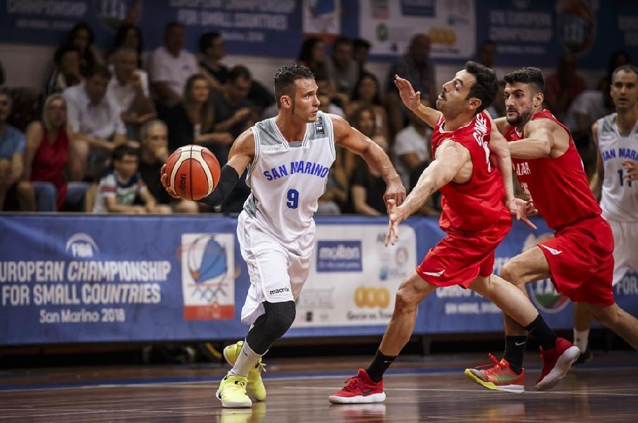 https://www.basketmarche.it/immagini_articoli/07-08-2020/ufficiale-esterno-lorenzo-liberti-giocatore-pallacanestro-titano-marino-600.jpg