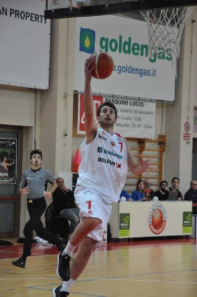 https://www.basketmarche.it/immagini_articoli/07-08-2020/ufficiale-pallacanestro-senigallia-marco-giacomini-insieme-anche-prossima-stagione-600.jpg