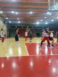 https://www.basketmarche.it/immagini_articoli/07-09-2017/serie-b-nazionale-ottime-impressioni-per-la-pallacanestro-senigallia-nel-test-contro-valdiceppo-270.jpg