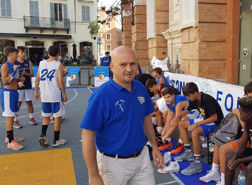 https://www.basketmarche.it/immagini_articoli/07-09-2018/giovanili-foligno-basket-tutte-squadre-lavoro-guida-coach-paolo-pierotti-600.png