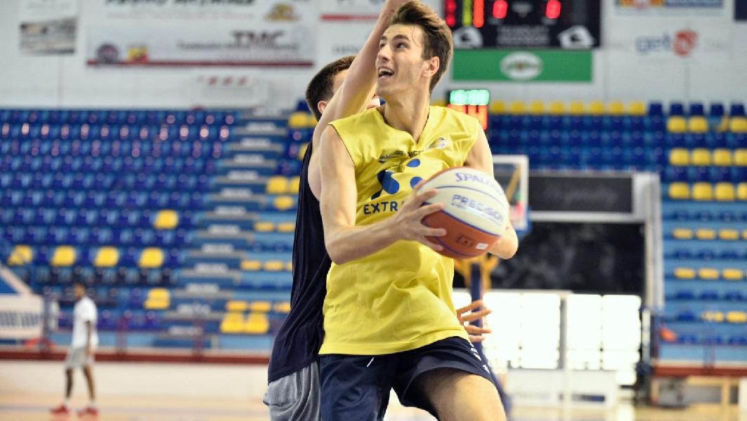 https://www.basketmarche.it/immagini_articoli/07-09-2019/poderosa-montegranaro-pronta-esordio-supercoppa-palasavelli-arriva-severo-600.jpg