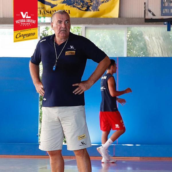 https://www.basketmarche.it/immagini_articoli/07-09-2020/pesaro-coach-repesa-dato-spazio-nostri-giovani-piaciuta-loro-mentalit-600.png
