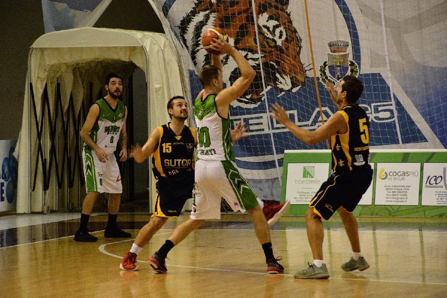 https://www.basketmarche.it/immagini_articoli/07-10-2018/sutor-montegranaro-sconfitta-campo-magic-basket-chieti-pagata-brutta-partenza-600.jpg