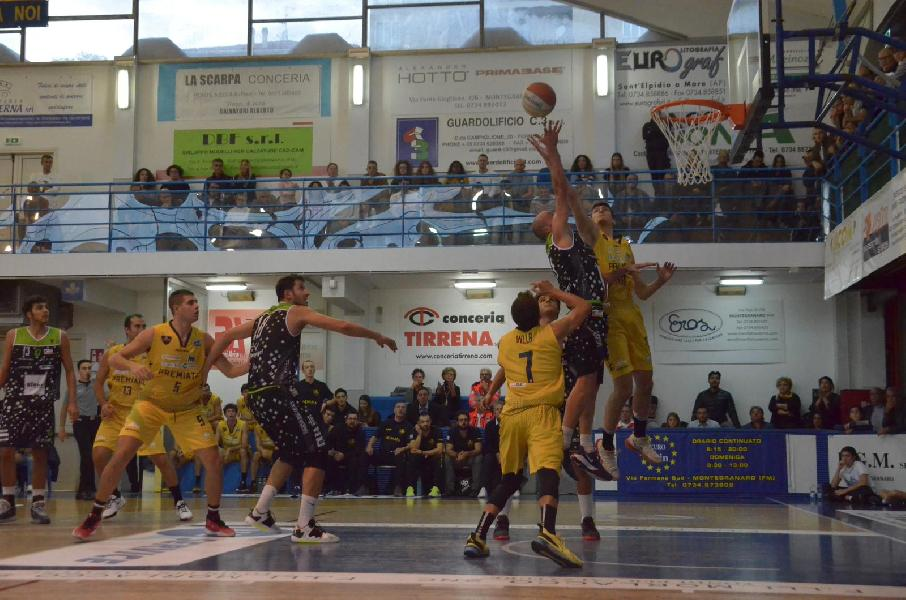 https://www.basketmarche.it/immagini_articoli/07-10-2019/lupetti-villa-trascinano-sutor-montegranaro-vittoria-supplementare-faenza-600.jpg