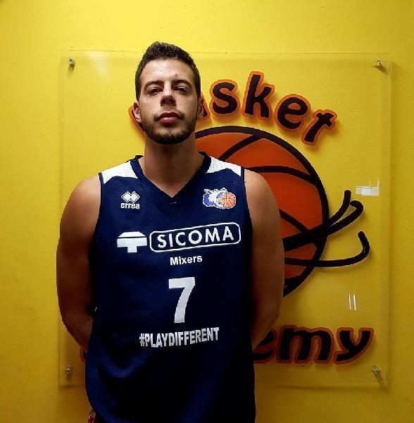 https://www.basketmarche.it/immagini_articoli/07-10-2019/valdiceppo-basket-presenta-croato-marko-milekic-supera-nettamente-falconara-600.jpg