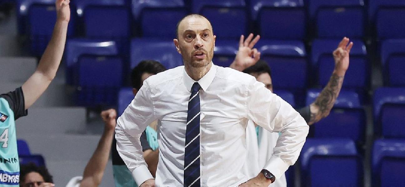 https://www.basketmarche.it/immagini_articoli/07-10-2020/brescia-coach-esposito-squadra-molto-solida-dovremo-cercare-imporre-nostro-ritmo-600.jpg