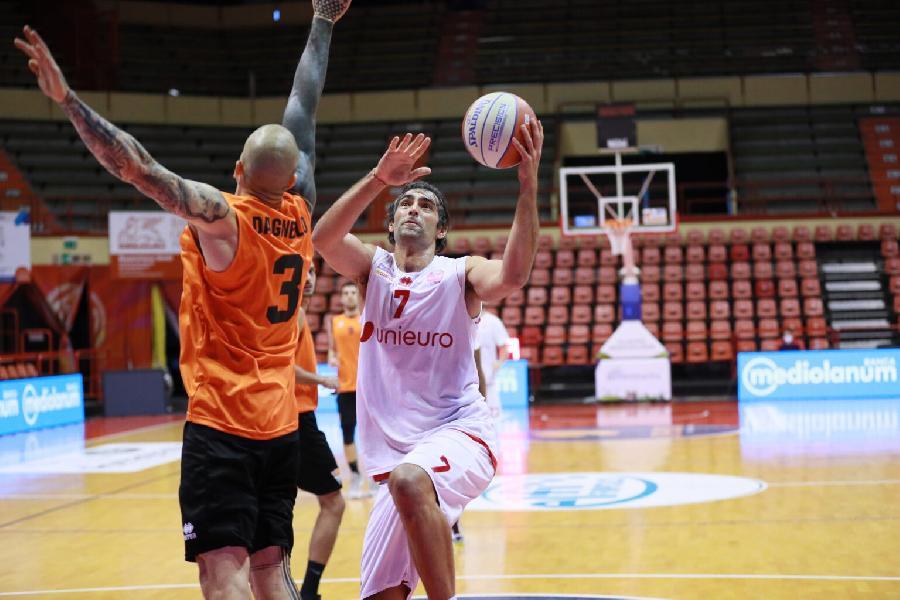 https://www.basketmarche.it/immagini_articoli/07-10-2020/pallacanestro-forl-supera-amichevole-tigers-cesena-600.jpg