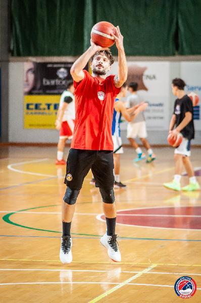 https://www.basketmarche.it/immagini_articoli/07-10-2020/ripartita-marted-ottobre-stagione-virtus-assisi-600.jpg