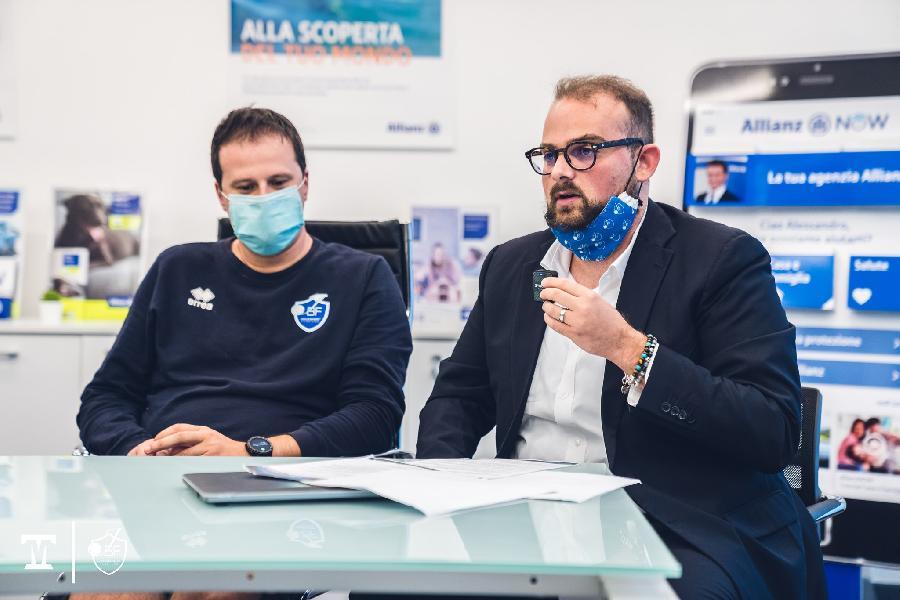 https://www.basketmarche.it/immagini_articoli/07-10-2021/janus-fabriano-lorenzo-governatori-pubblico-rispondendo-prevedevamo-sarei-aspettato-600.jpg