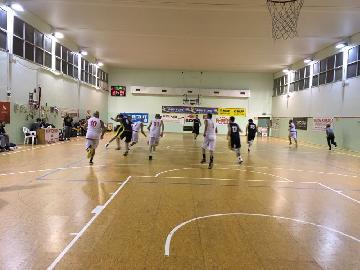 https://www.basketmarche.it/immagini_articoli/07-12-2017/promozione-a-medde-e-le-sue-triple-lanciano-la-vuelle-pesaro-b-sul-campo-dell-olimpia-pesaro-270.jpg
