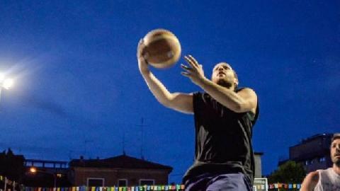 https://www.basketmarche.it/immagini_articoli/07-12-2017/serie-c-silver-il-falconara-basket-cerca-il-riscatto-contro-urbania-le-parole-di-andrea-nardini-270.jpg