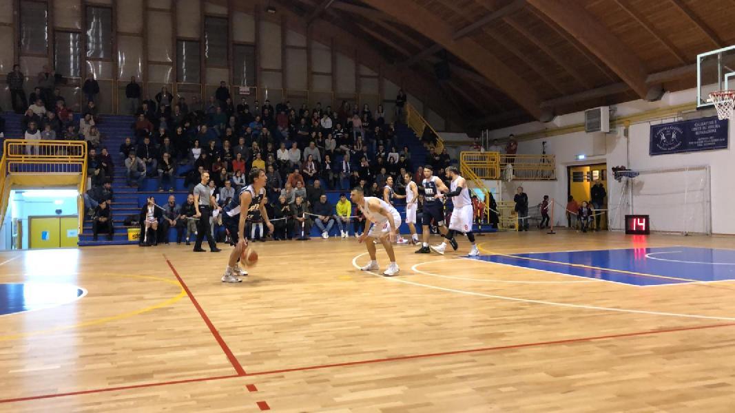 https://www.basketmarche.it/immagini_articoli/07-12-2019/bramante-pesaro-rialza-passa-campo-capolista-vigor-matelica-600.jpg
