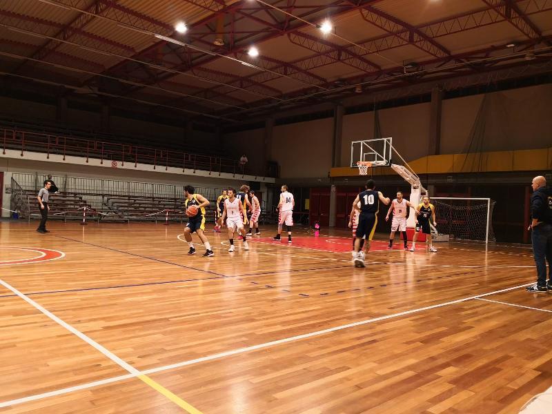 https://www.basketmarche.it/immagini_articoli/07-12-2019/loreto-pesaro-espugna-campo-basket-tolentino-600.jpg