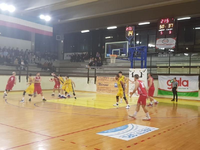 https://www.basketmarche.it/immagini_articoli/07-12-2019/pallacanestro-urbania-espugna-campo-basket-club-fratta-umbertide-600.jpg