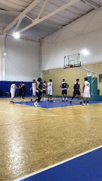https://www.basketmarche.it/immagini_articoli/07-12-2019/pesaro-basket-espugna-campo-ignorantia-pesaro-resta-imbattuto-600.jpg