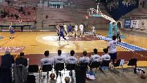 https://www.basketmarche.it/immagini_articoli/07-12-2019/titano-marino-conquista-quinta-fila-campo-stamura-ancona-120.jpg