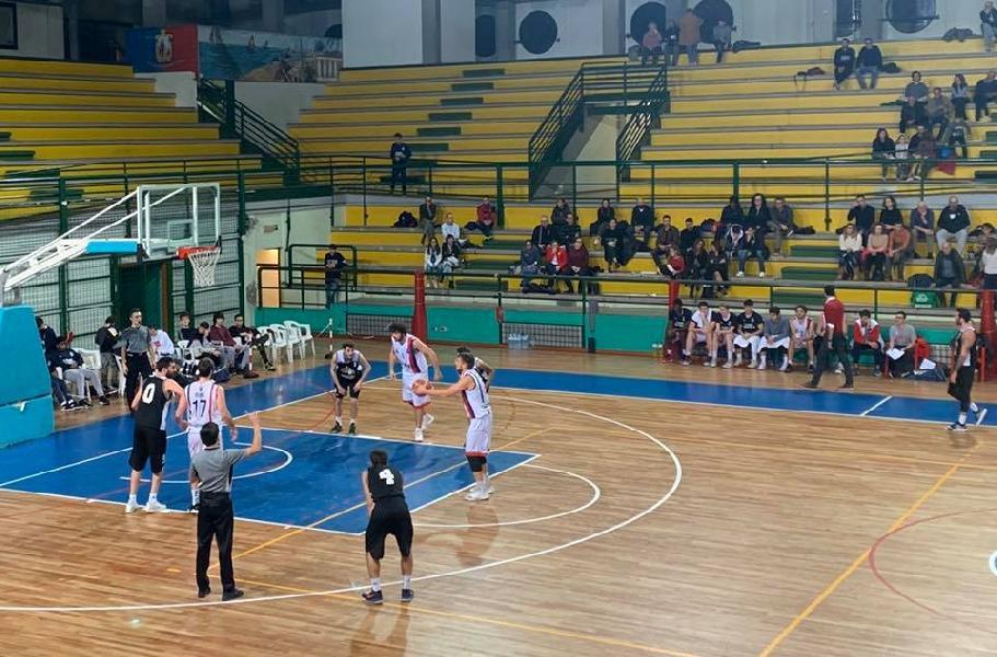 https://www.basketmarche.it/immagini_articoli/07-12-2019/tripla-filippo-centanni-regala-vittoria-falconara-basket-campo-sambenedettese-600.jpg
